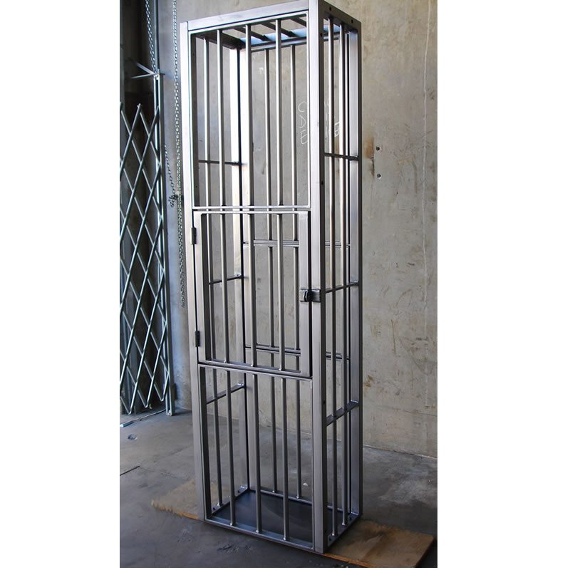 Steel Stand Up Cage 1